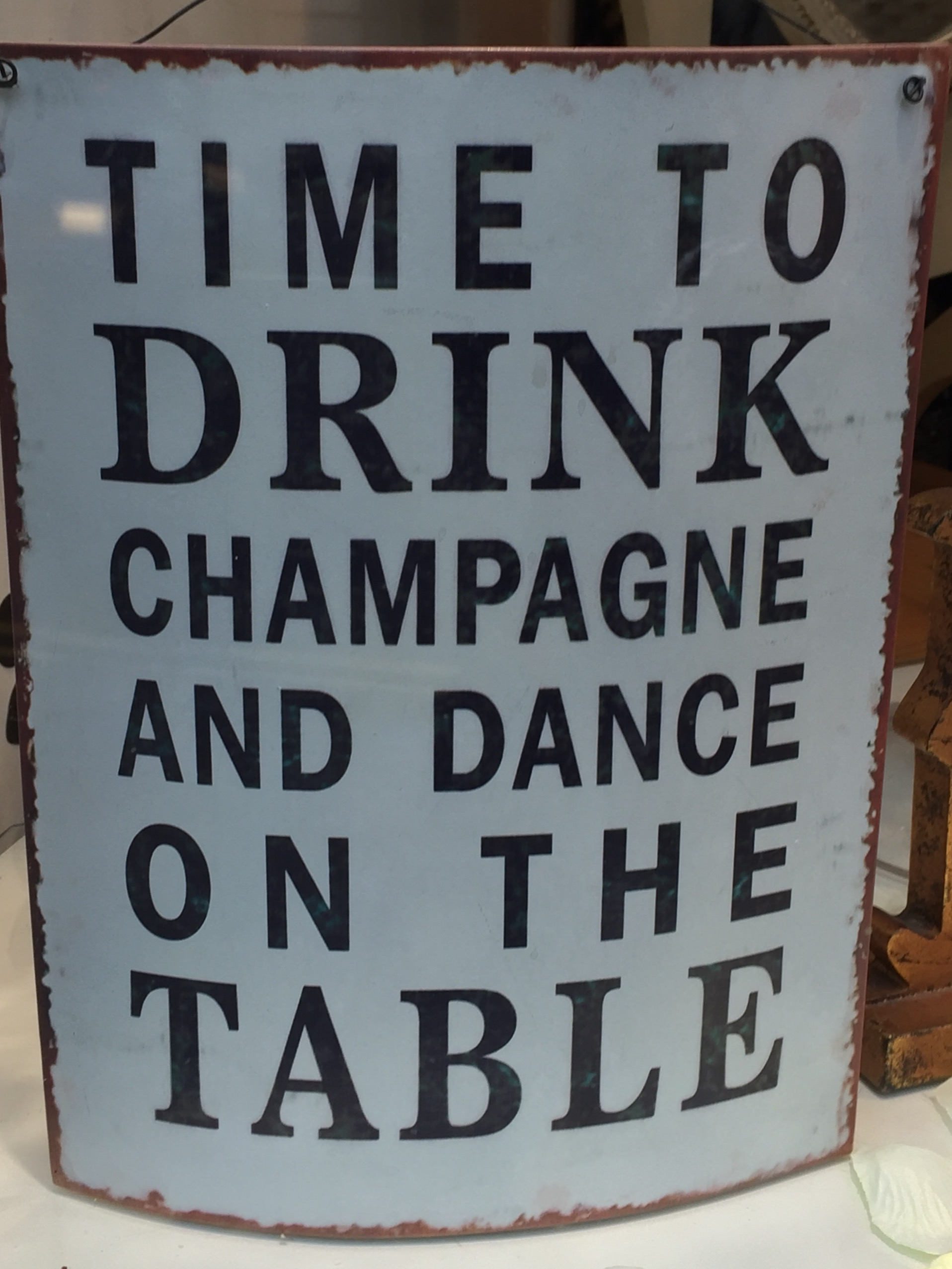 champagne-sign-dance